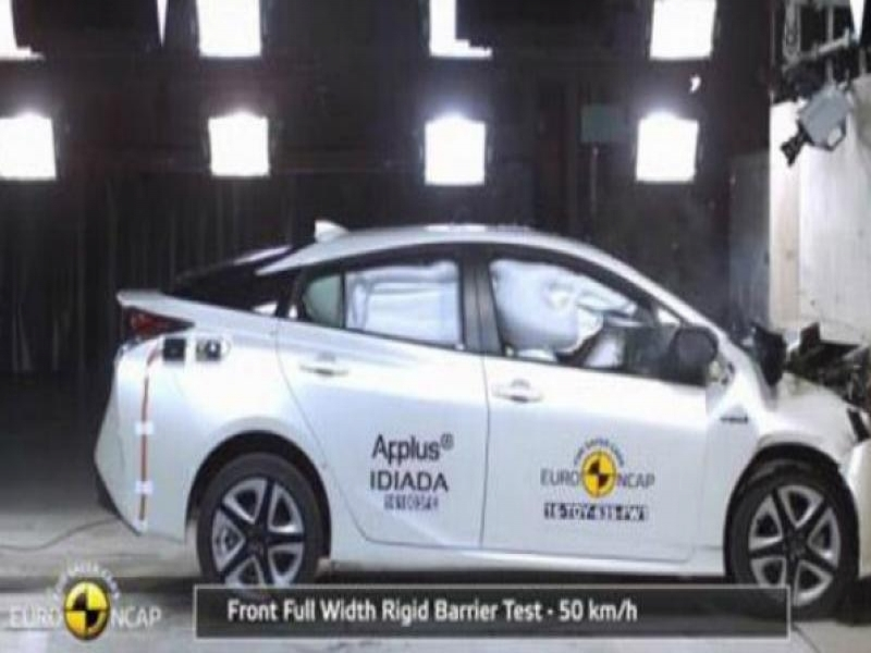 New Car Assessment Program Toyota Prius Gets A 5 Star Rating In Euro Ncap Crash Test