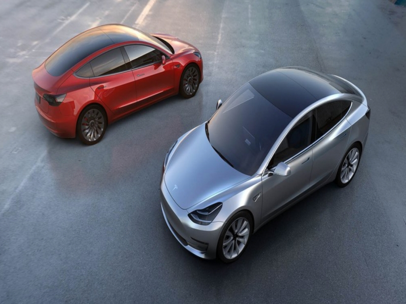 Tesla Model 3 Pre Order Tesla Model 3 Racks Up 232000 In Pre Orders Just Days After Launch