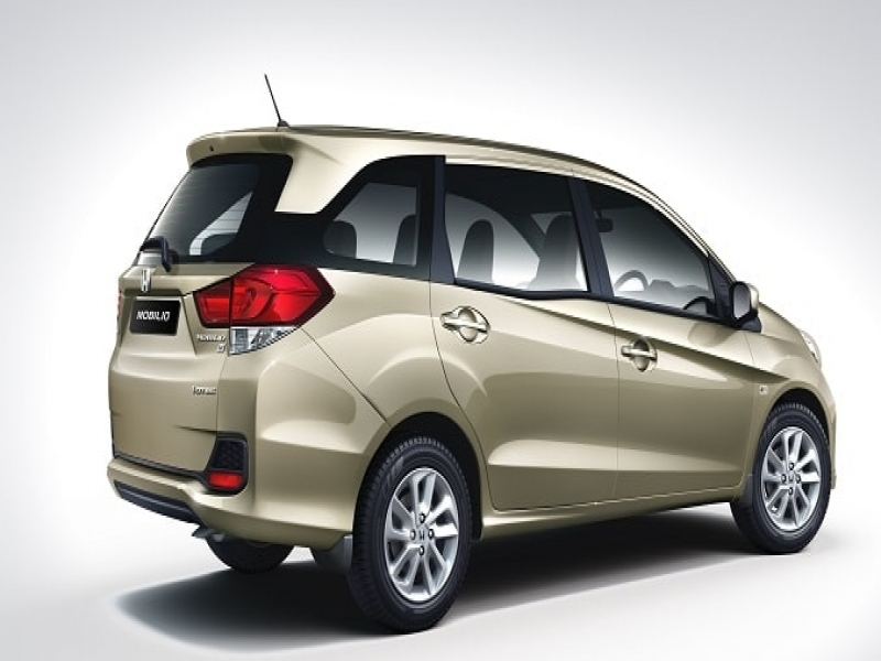 8 Seater Cars In India Of Rs.4.5 Lakhs Best In Class 7 Seater Cars In India 2015