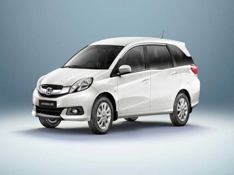 Latest 8 Seater Cars In India Price Honda Launches Its 7 Seater Mpv Mobilio In India Starting At Rs