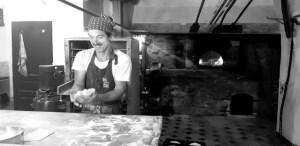 Bruno Rey façonne son pain sans gluten