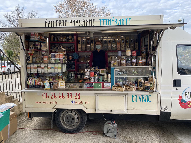 Lauriane et son épicerie itinérante