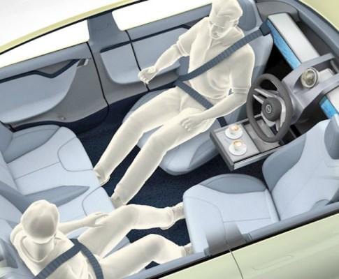 Critics Argue Driverless Cars Are Unsafe