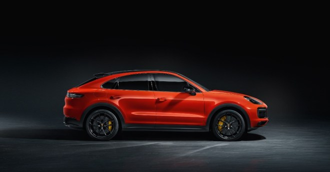 2020-porsche-cayenne-adding-more-to-the-mix
