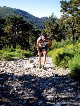 fotos Cross Telégrafo 2012 Miguel Pérez Paniagua llegando Alto del Telégrafo tras Raúl