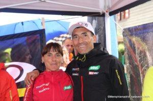 Corredores de montaña: Miguel Heras y Nerea Martínez, compañeros de equipo desde hace años.