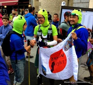 """Ultra Trail Mont Blanc  168k del 2014. populares japoneses saboreando """"su"""" meta."""