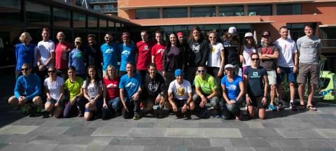 transgrancanaria 2015: Los corredores de elite en el posado oficial matutino de ayer. Foto: Org.