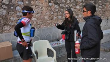 Pau y su equipo de apoyo en Soller, tras 69k de la Ultra Mallorca, con 43k aun a meta.