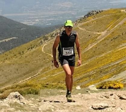 Maratón Alpino Madrileño 2012: Javier saltaba del asfalto al trail.
