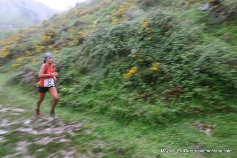 Gemma al paso por Sancti Spiritu en Zegama.