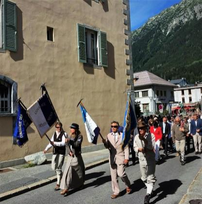 guias de montaña fiesta en chamonix mont blanc (1)