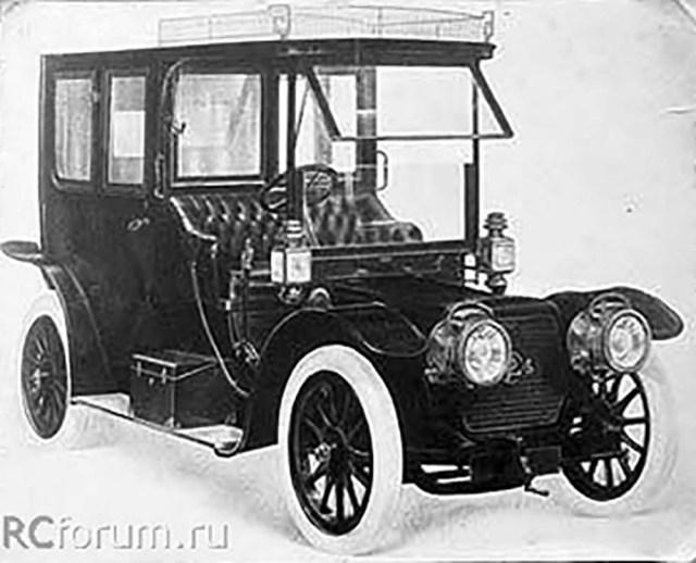 1911. Панар-Левассор  модели Х12. Это первый автомобиль члена ИРАО Большакова Н.А.   СПб.