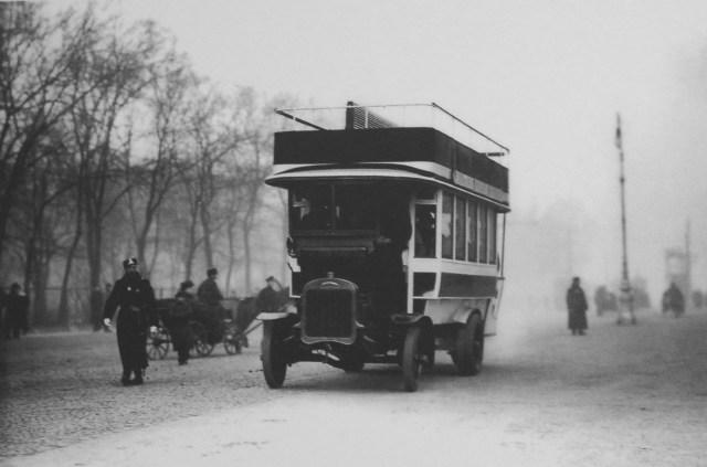 1907. Омнибус Gaggenau C 32 на Адмиралтейском проспекте. Санкт-Петербург.