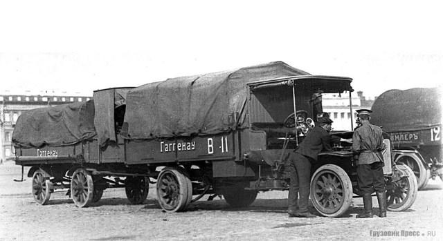 1911. 3-тонный грузовой автомобиль Gaggenau C 40 на старте испытательного пробега Военного ведомства. Марсово поле. Санкт-Петербург.
