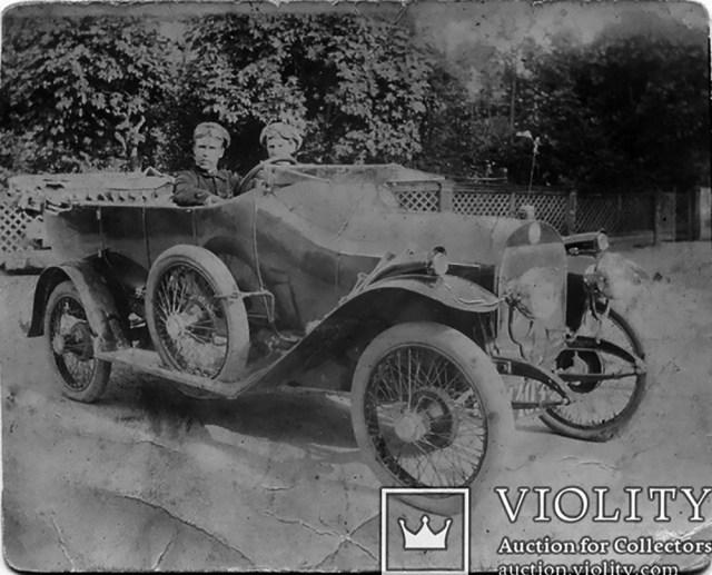 1914. Автомобиль Пирс-Эрроу в России.