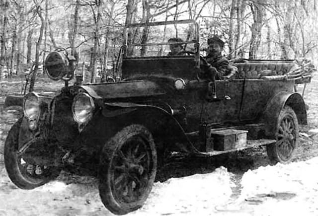 1916. Автомобиль фирмы Packard.