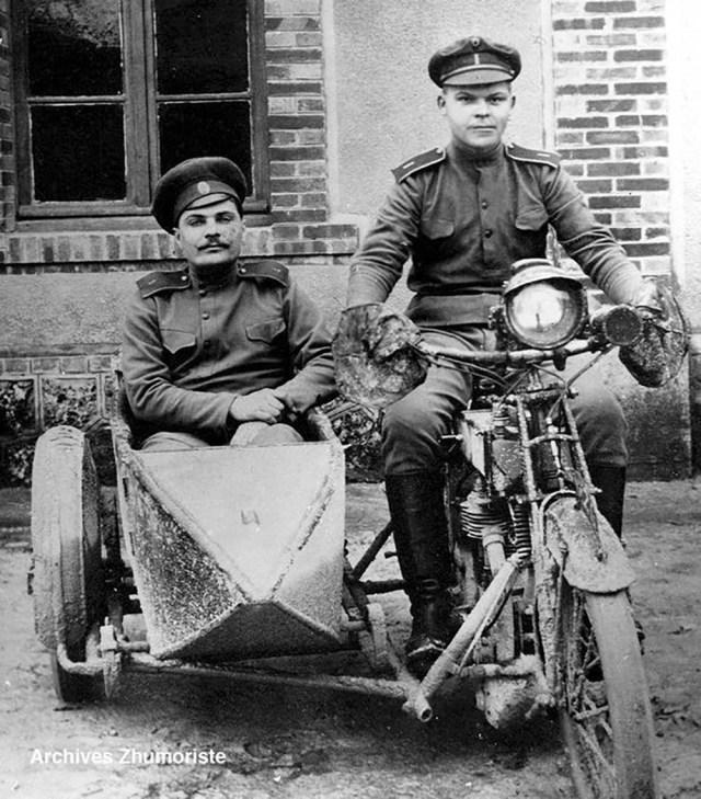 1916. Мотоцикл Harley-Davidson. Русский экспедиционный корпус во Франции.