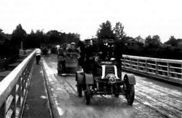 1902. Автомобили «Фрезе-ДеДион-Бутон» на службе Главного штаба, участвовавшие в маневрах под Курском.