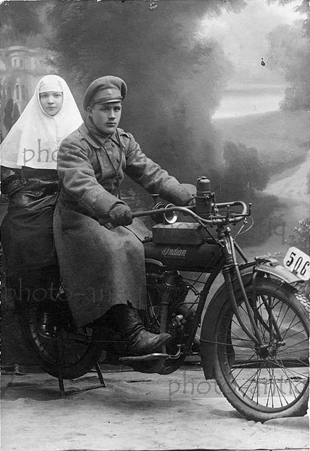 1914-1917. Мотоцикл Индиан, на службе в Русской армии, Гальперин, Ровно.