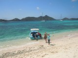 Arrival by boat on Sandy Island Carriacou.