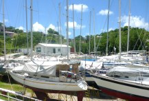 Boatyard of the yachtclub in Tyrell Bay.