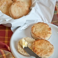 Cheesy Biscuits (+ VIDEO!)