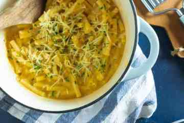 Lightened up version of the classic mac and cheese made with butternut squash. Delicious and healthy!