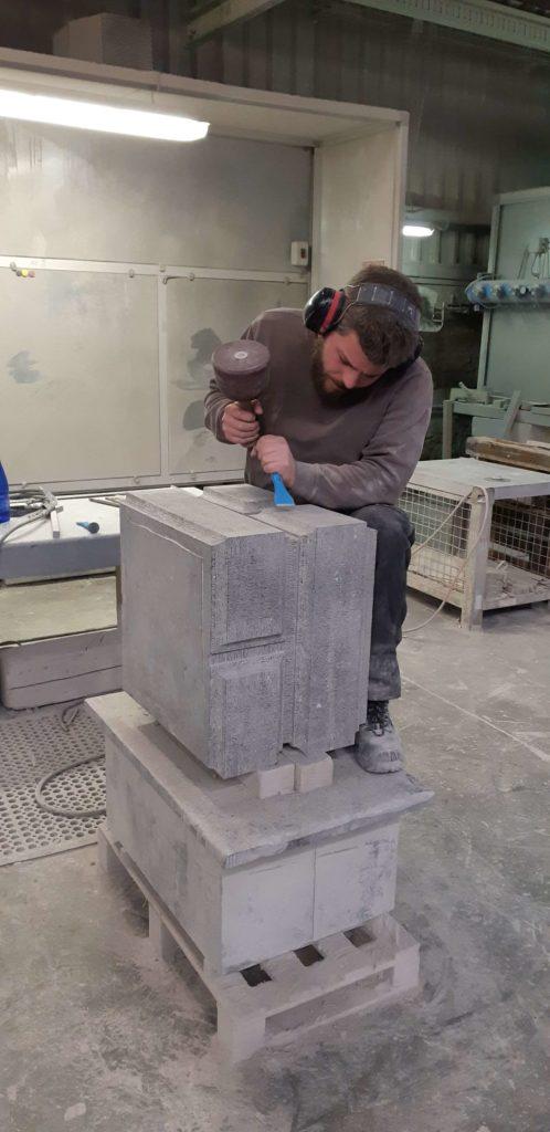 Reproduction colonnes classées en pierre bleue