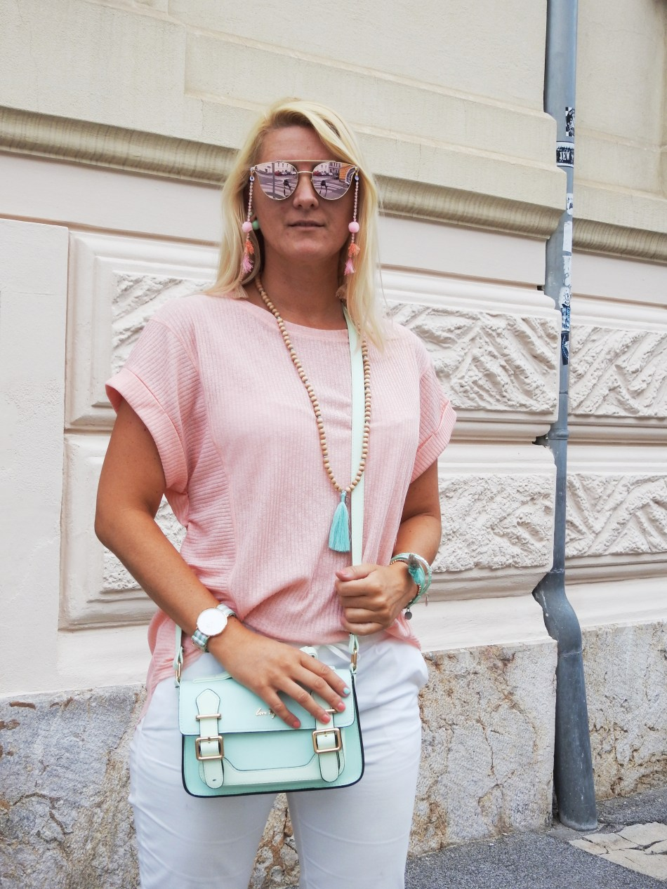 Sunglasses-Chain-Bomberjacket-Zara-Espadrilles-Pastell-Metallic-Sunglasses-Tassels-Pompoms-Daniel-Wellington-Tamara-Prutsch-carrieslifestyle