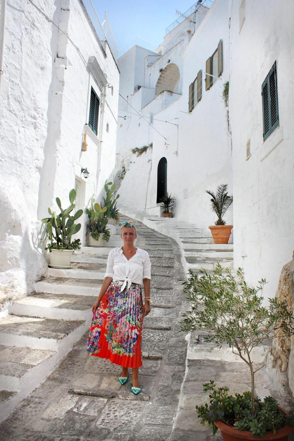 Ostuni-Bianca-weiß-Kalk-Apulien-Puglia-Italy-Italien-Reiseblog-Reisebericht-carrieslifestyle-Tamara-Prutsch