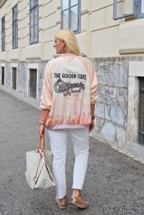 sportlich-Jeans-carrieslifestyle-Tamara-Prutsch-Bomberjacken-Blouson