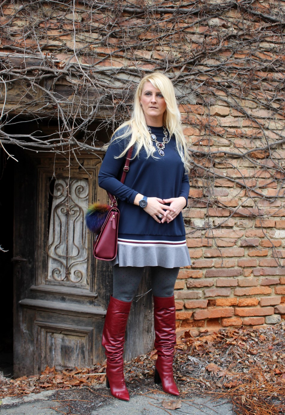 Dunkelrote-Boots-Overknees-Mini-Dress-carrieslifestyle-Tamara-Prutsch