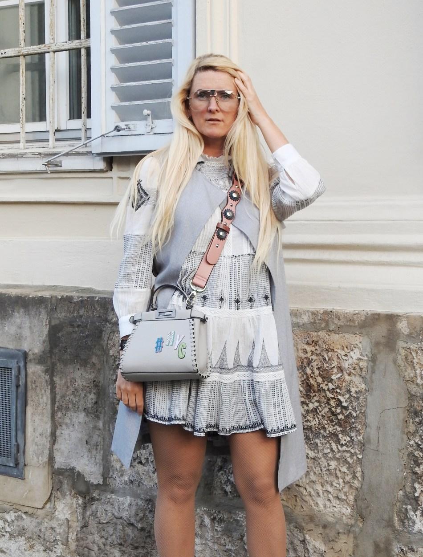 Folklore-Dress-Zara-grey-Boots-Studs-Studded-Fendi-Bag-carrieslifestyle-Tamara-Prutsch