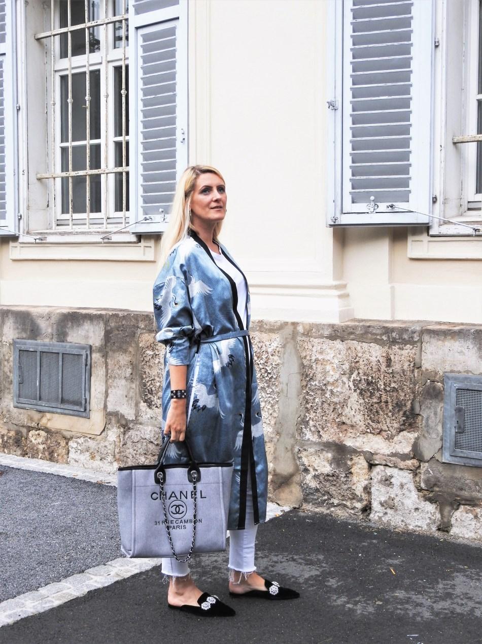 Kimono-Mules-carrieslifestyle-Tamara-Prutsch-Karenz-Mutterschutz-Urlaub