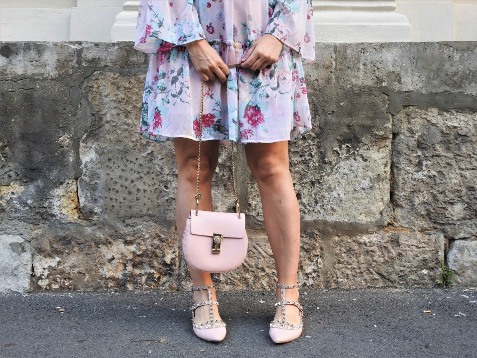 Floralprint-Blumenprint-Dress-H&M-Kleid-Valentino-Rockstud-Shoes-Chloe-Bag-Metallic-Sunglasses-carrieslifestyle-Tamara-Prutsch