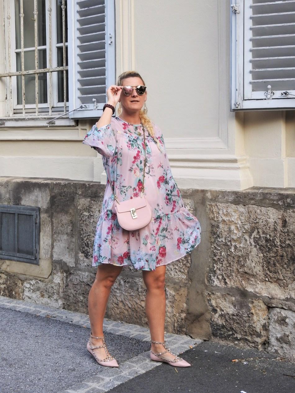 Floralprint-Blumenprint-Dress-H&M-Kleid-Valentino-Rockstud-Shoes-Chloe-Bag-Metallic-Sunglasses-carrieslifestyle-Tamara-Prutsch