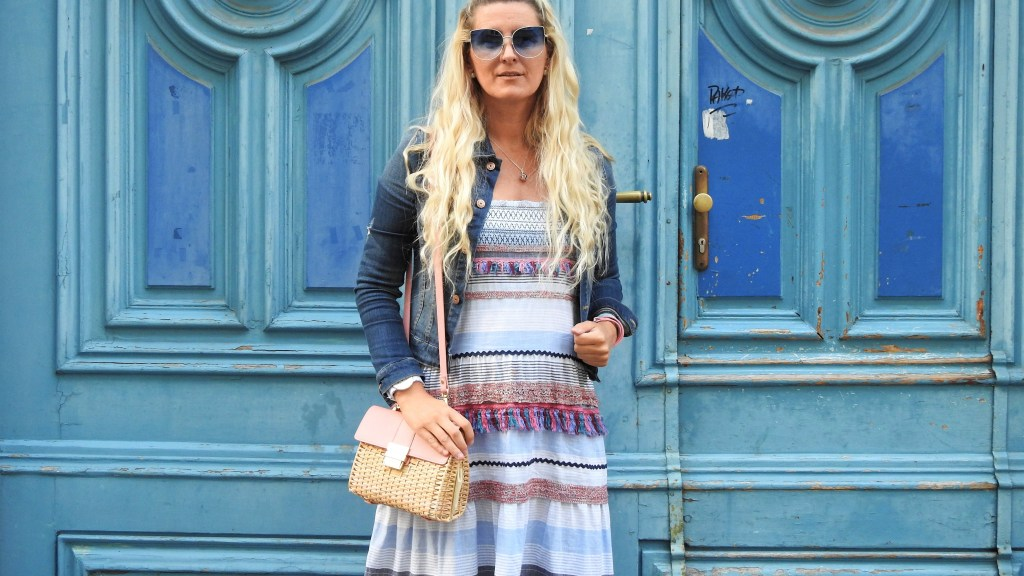Colourblocking-Maxidress-Zara-Korbtasche-Basketbag-Denim-Jacket-Daniel-Wellington-Watch-Summerlook-carrieslifestyle-Tamara-Prutsch