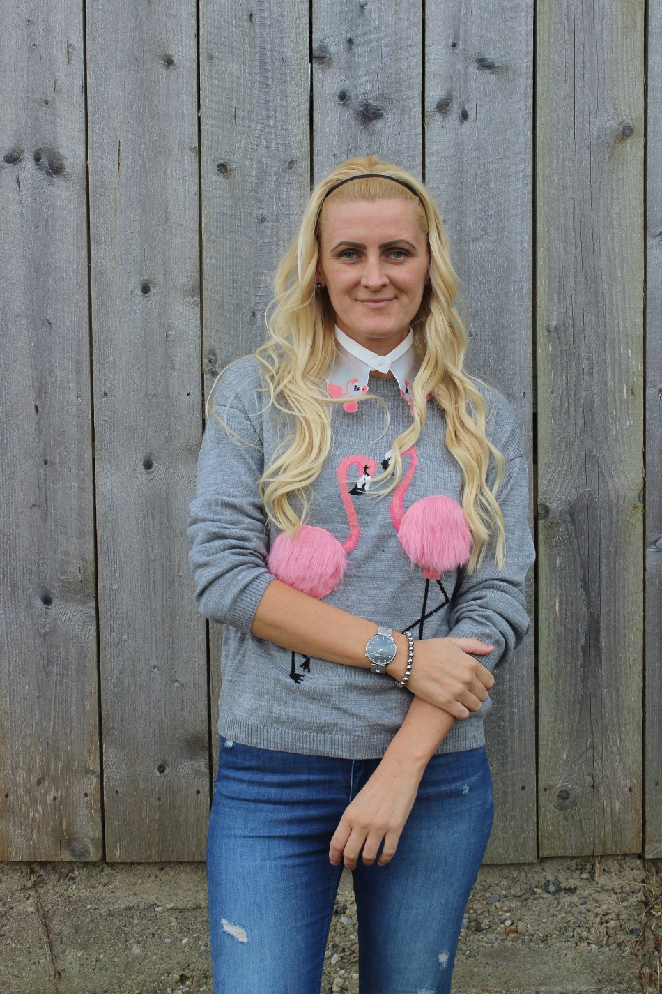 4-Jahreszeiten-Flamingo-Pulli-Denim-Fringes-Fringed-Jeans-Chanel-Bag-Sweater-carrieslifestyle-Tamara-Prutsch