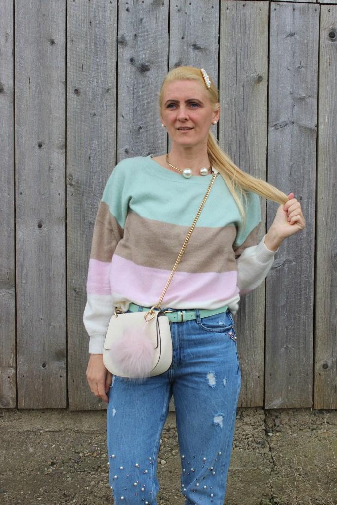 Mumjeans-Pearls-Howtowear-Pastell-Springlook-Springvibes-carrieslifestyle-Tamara-Prutsch