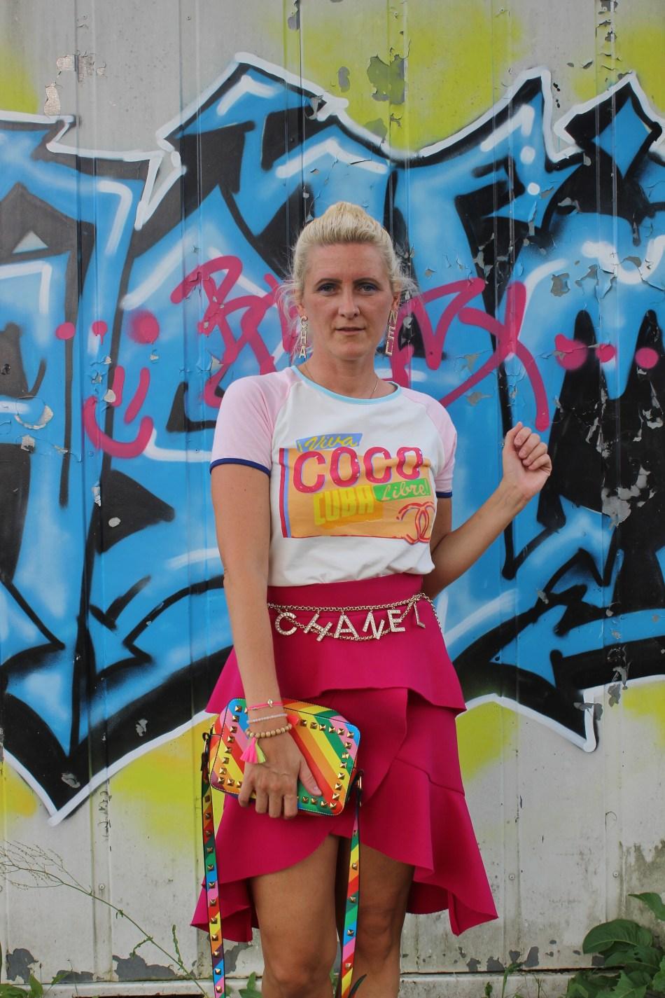 Volants-Skirt-Chanel-Chainbelt-Valentino-Rockstuds-Denim-Jacket-carrieslifestyle-Tamara-Prutsch