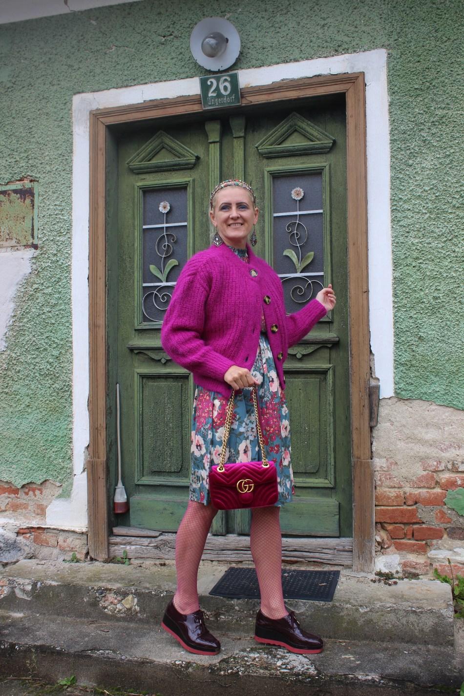 Cardigan-Floralprint-Gucci-Velvet-Bag-carrieslifestyle-Tamara-Prutsch