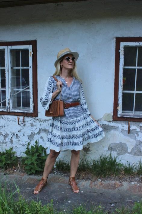 Tchibo-Eduscho-Sommerlicher Flirt-Neue Kollektion- Kleid mit Ikta Muster-Sommerlook-Cognac-CCC Shoes and Bags-Tasche-Tamara Prutsch