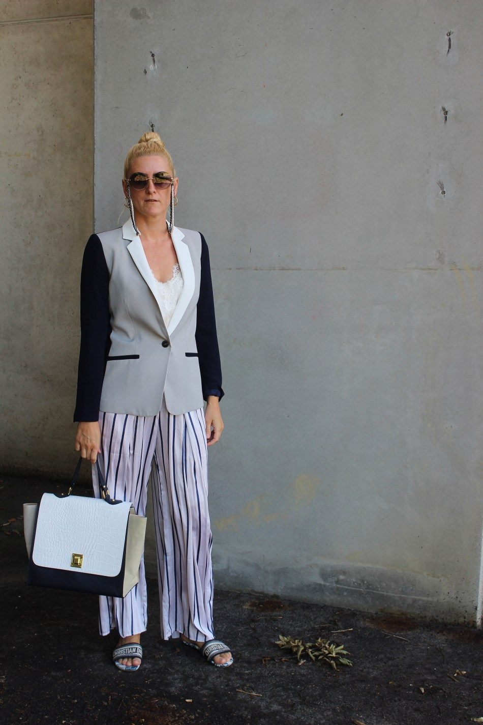 Trend- Palazzohose-Palazzopants-Marine Look-Maritim-Blazer-gestreifte Palazzohose H&M-Dior Sandalen-Tamara Prutsch-carrieslifestyle-Bloggerstyle