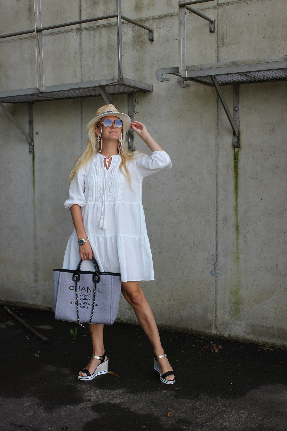 Tunika-Vero Moda-Bestseller-CCC Shoes and Bags-Sandalen-Gino Rossi-Chanel Tasche-carrieslifestyle-Maritim Look-Marine Style-Tamara Prutsch