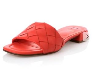 Schuhtrends 2021-Ballerinas-Slippers-Crogs-Bottega Venets Sandals-Kettendetails-Loafers-Chunky Loafers-carrieslifestyle-Tamara Prutsch
