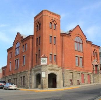 Mountain View UM Church, 1899, W. L. Donovan and J.G. Link, w. Quartz