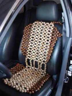 Encosto-assento de bolinhas de madeira 1