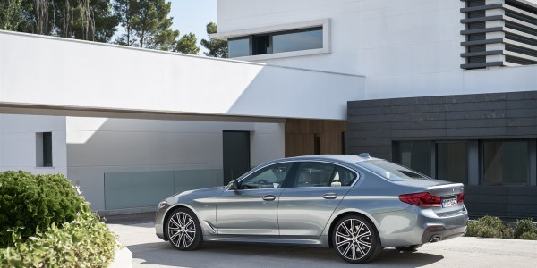 p90237228_highres_the-new-bmw-5-series-2126-x-1418