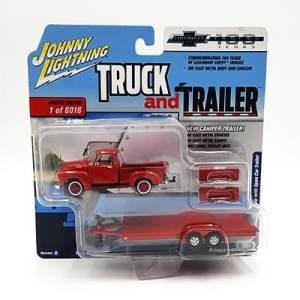 Chevy Pickup Roja con remolque